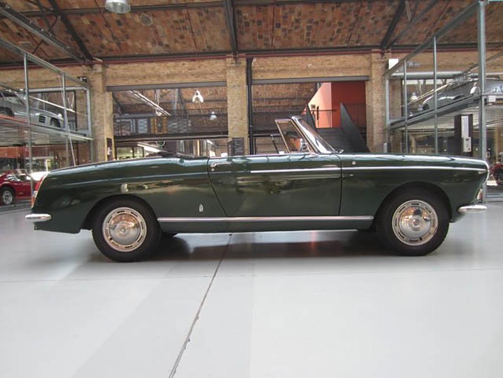 Peugeot 404 1967 cabrio side