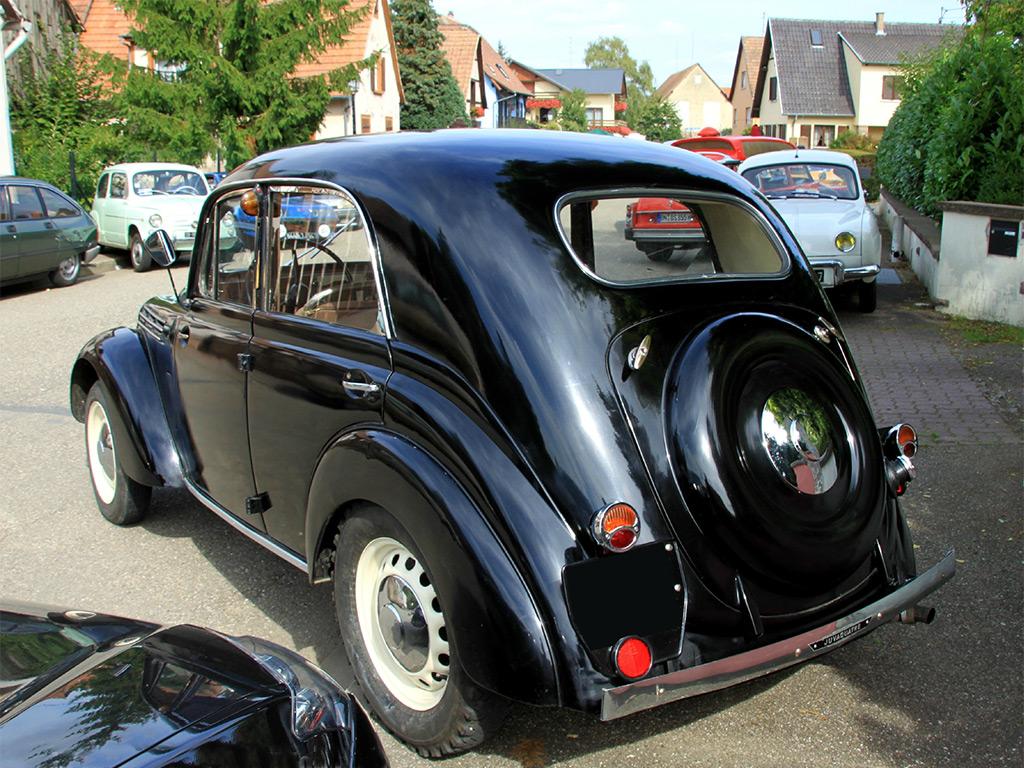 Renault Juvaquatre 1948