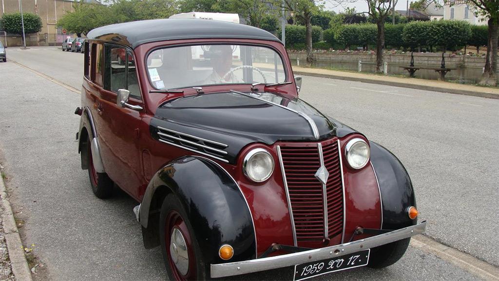 Renault Juvaquatre dauphinoise 1959