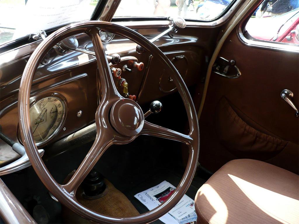 Renault Monaquatre 1933 interieur