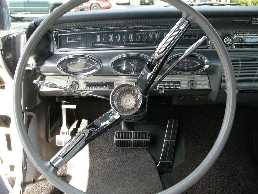 oldsmobile 98 1961 interieur