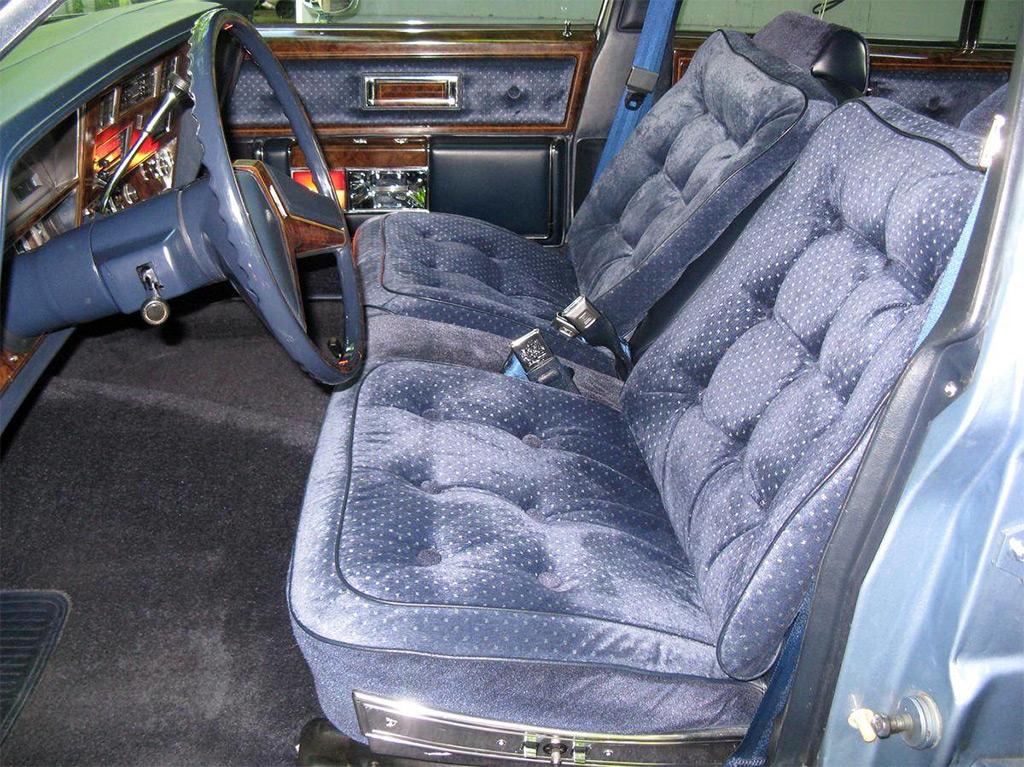 oldsmobile 98 regency 1980 interieur