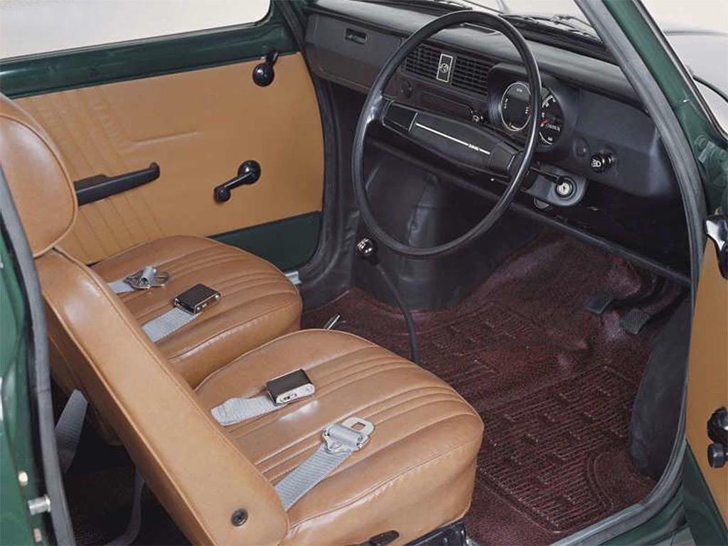 Subaru R-2 1969 interieur