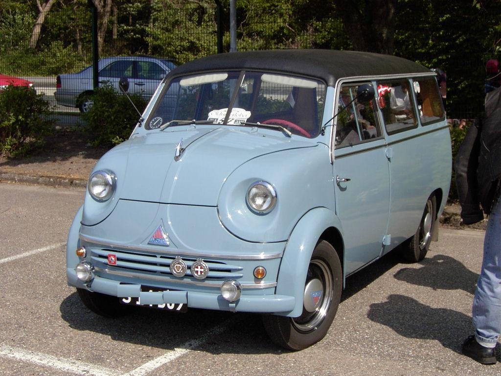 lloyd LT 600 minibus