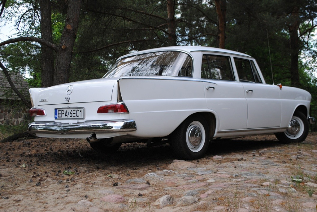 Mercedes Benz E Klasse W110 on mercedes benz w110