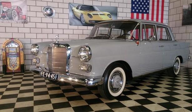 mercedes 190 W110 heckflosse 1965