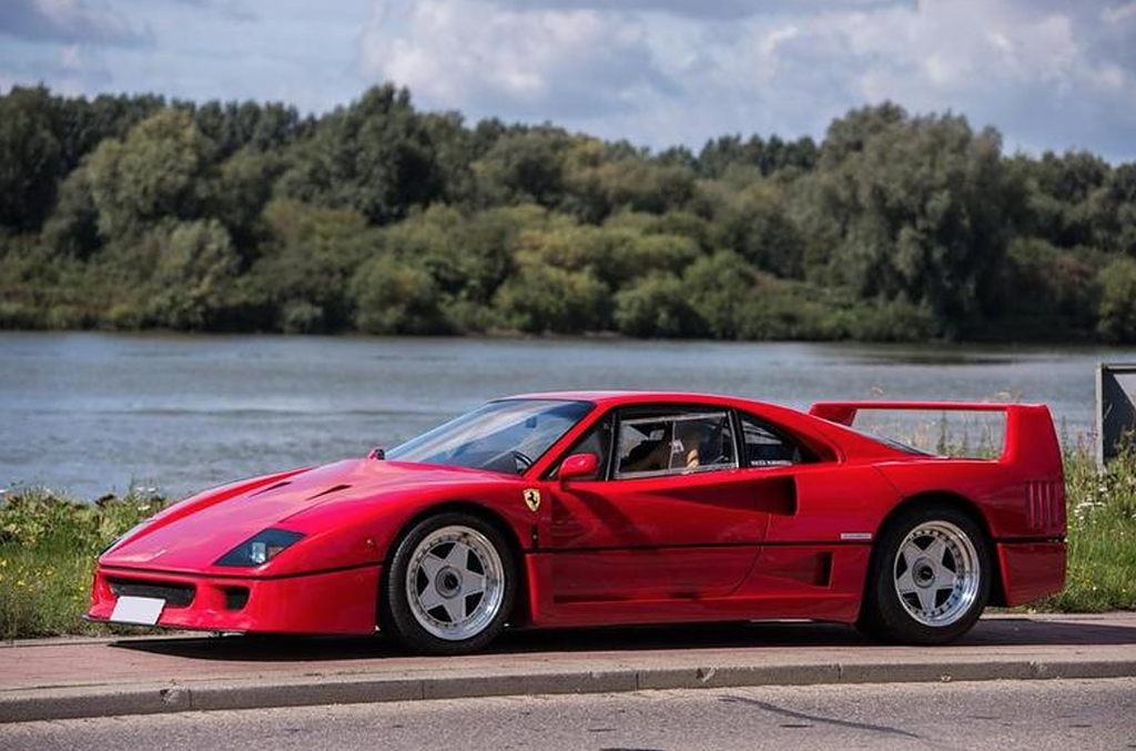 de ferrari f40 van nigel mansell klassiekerweb. Black Bedroom Furniture Sets. Home Design Ideas