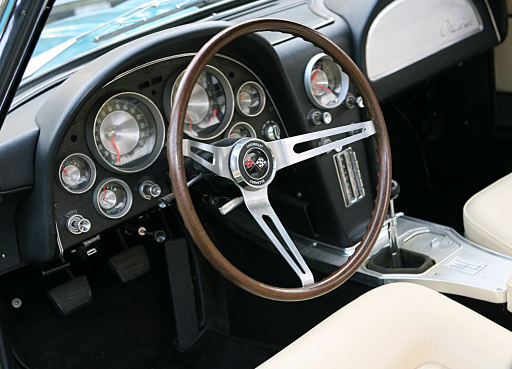 Chevrolette Corvette Rondine_dashboard
