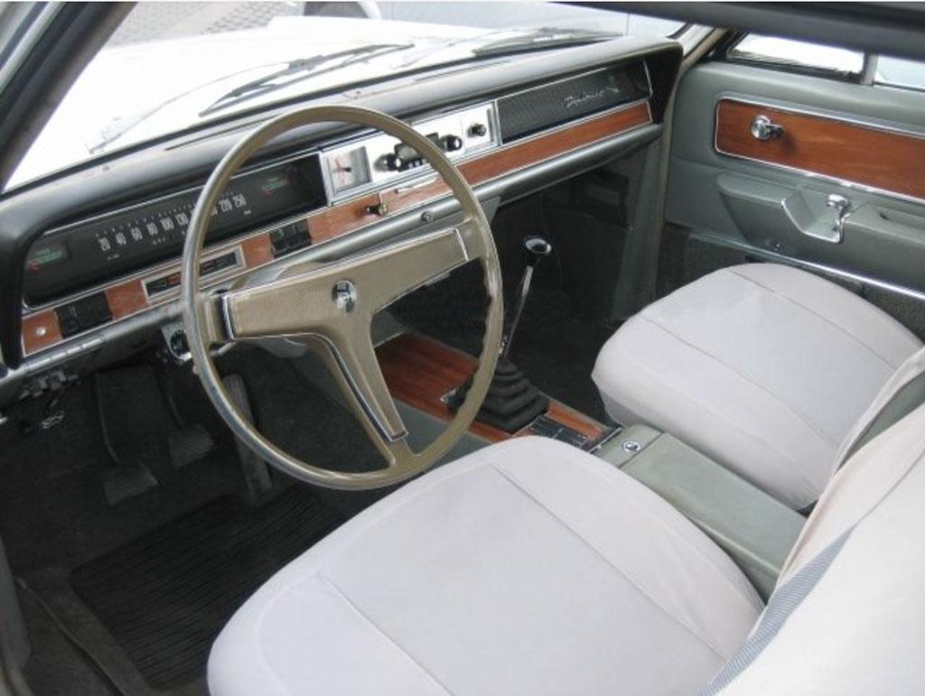 Opel diplomat Karmann interieur