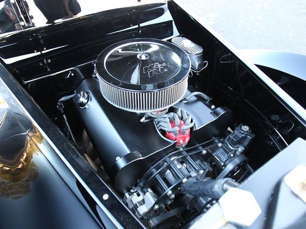 black pearl V8 motor