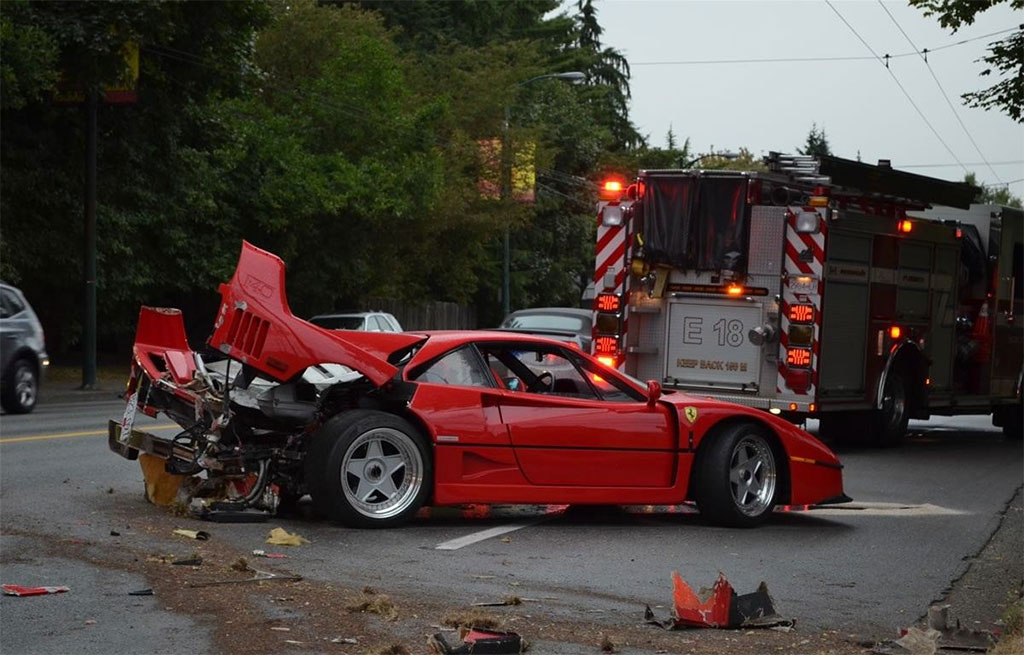 ferrari F40 crashed