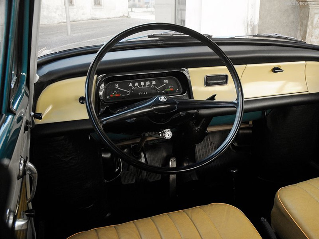 skoda 1000 mb interieur