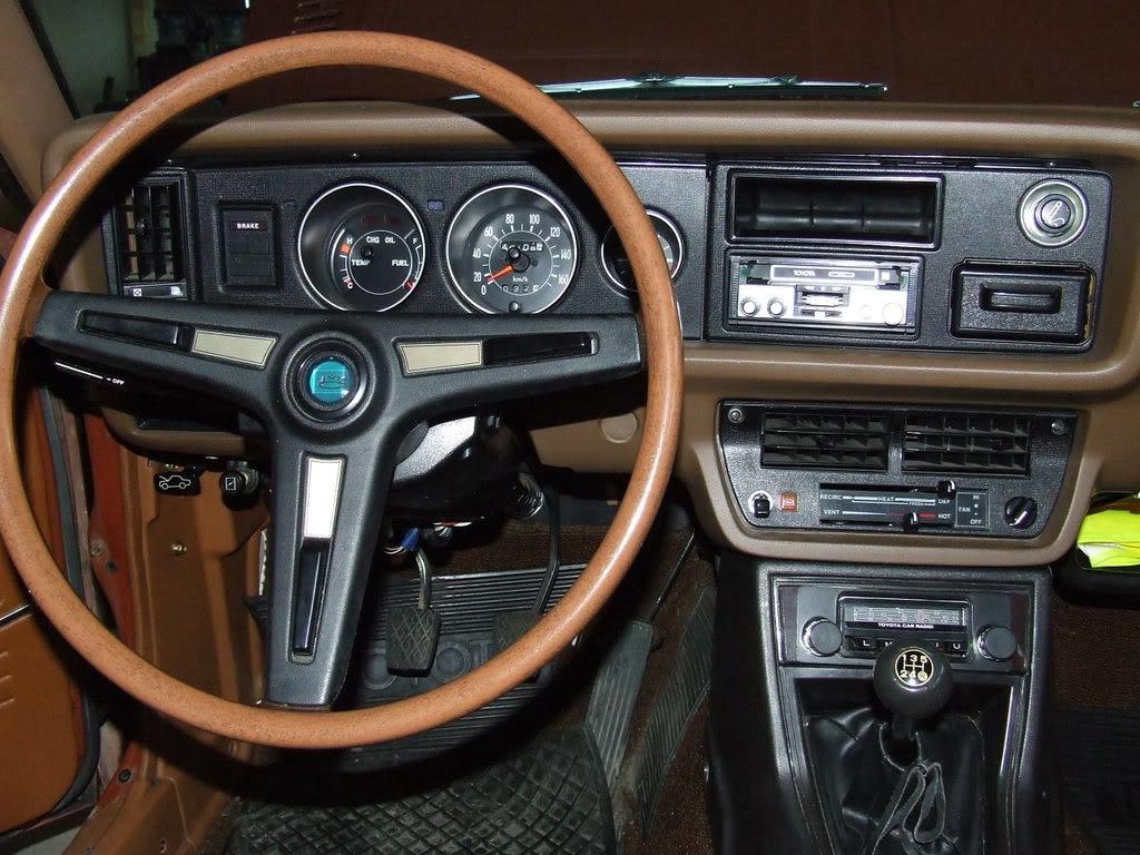 Toyota corolla klassiekerweb for Interieur 1970