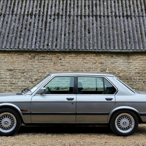 BMW M5 E28 1986