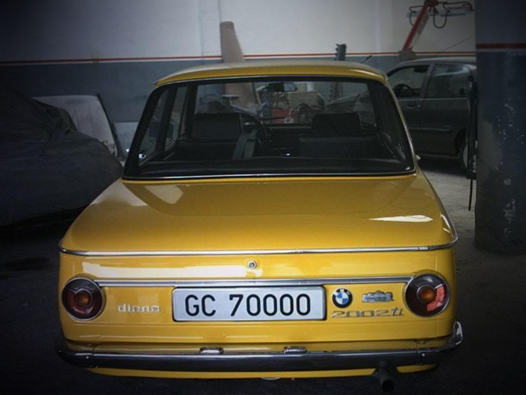 BMW_2002ti_diana_achterzijde
