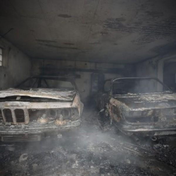 klassieke BMW's uitgebrand