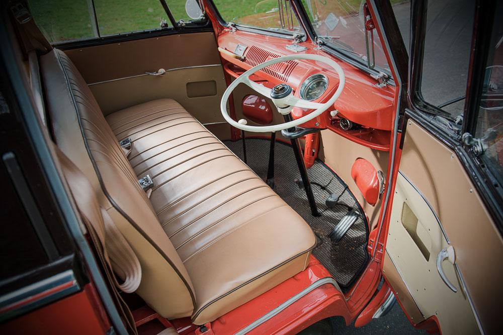 VW Type 2 T1b 1955 interieur
