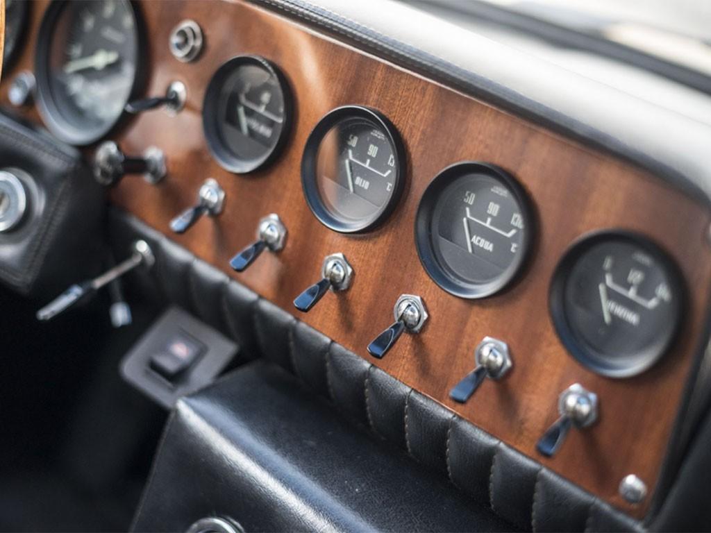 bizzarrini 5300 GT strada dashboard