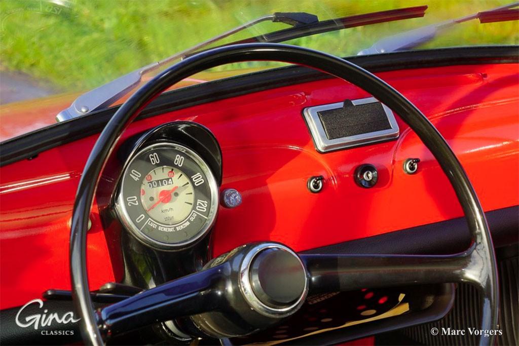 40 jaar jonge fiat 500 uit 1975 klassiekerweb for Fiat 500 x interieur