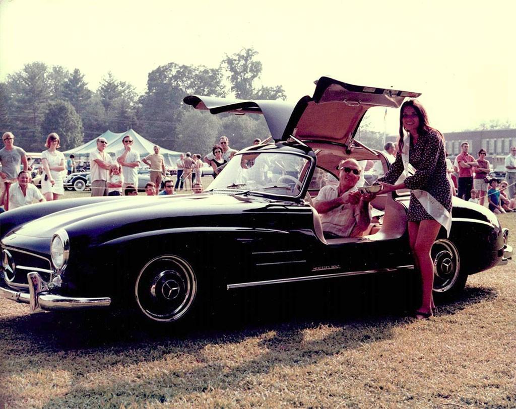 mercedes-benz gullwing autoshow