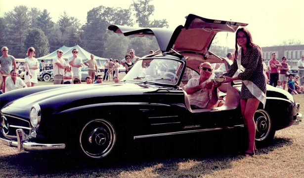 mercedes-benz gullwing autoshow