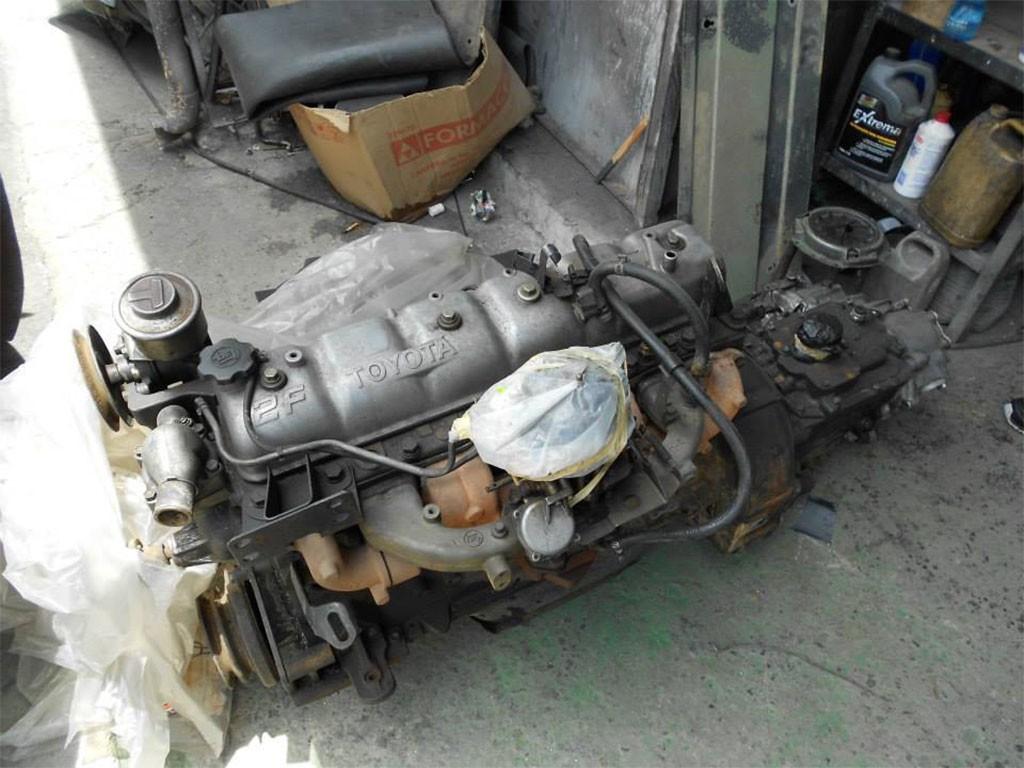 toyota landcruiser FJ40 motor