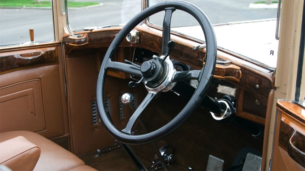 1928 Isotta-Fraschini Tipo 8a interieur