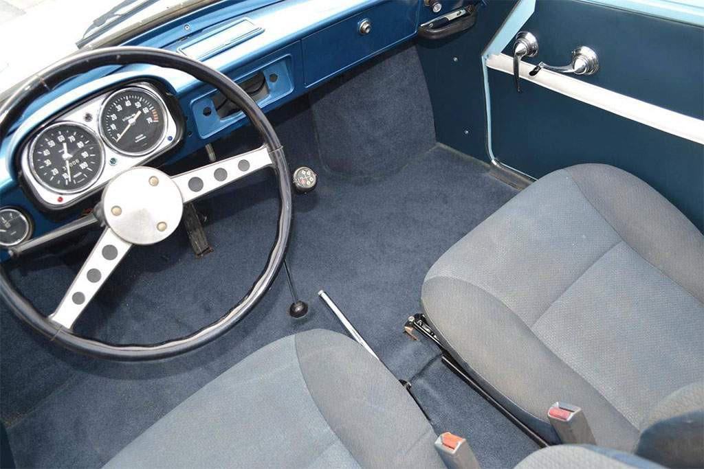 renault caravelle interieur
