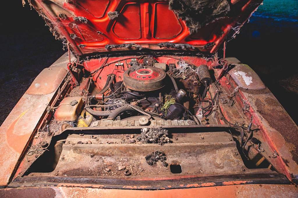 dodge charger daytona engine