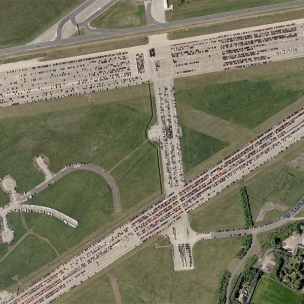 engelse klassiekers op thurleigh vliegveld google earth