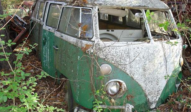 neglected volkswagen t1 bus