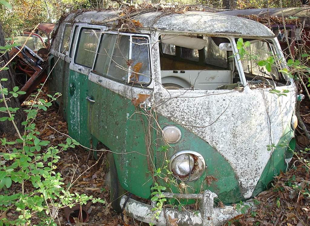neglected volkswagen t1 bus