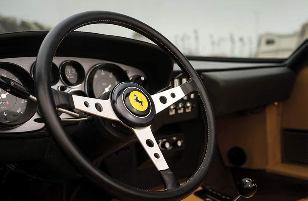 Ferrari 365 GTS / 4 Daytona Spider stuurwiel