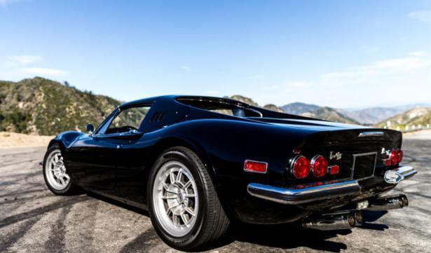ferrari Dino met F40 V8 blok
