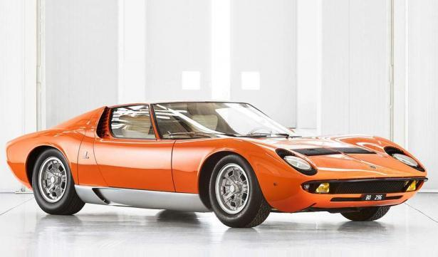 lamborghini miura p400 uit film the italian job gerestaureerd
