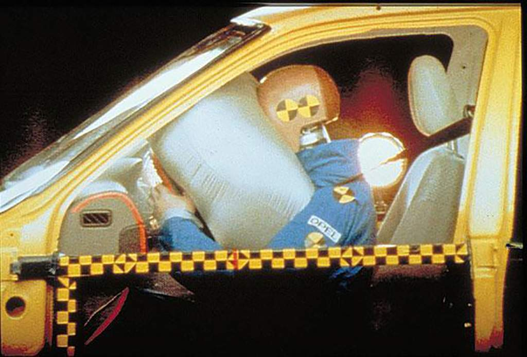 airbag crashtest